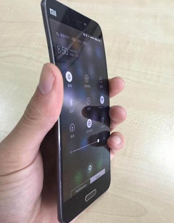 Xiaomi Mi Note 2 cuerpo flexible avistado en fotos