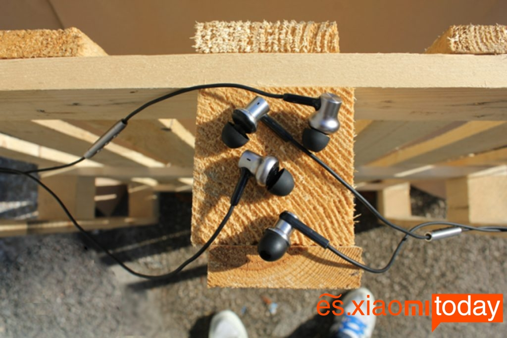 Xiaomi Mi In-Ear Headphones Pro HD - foto exterior 2