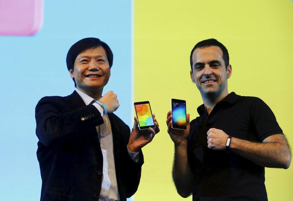 Lei Jun, CEO de Xiaomi junto a Hugo Barra