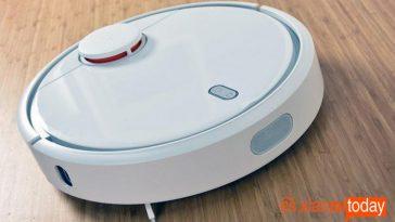 Xiaomi-Mi-Robot-Vacuum-Cleaner-1-758x442