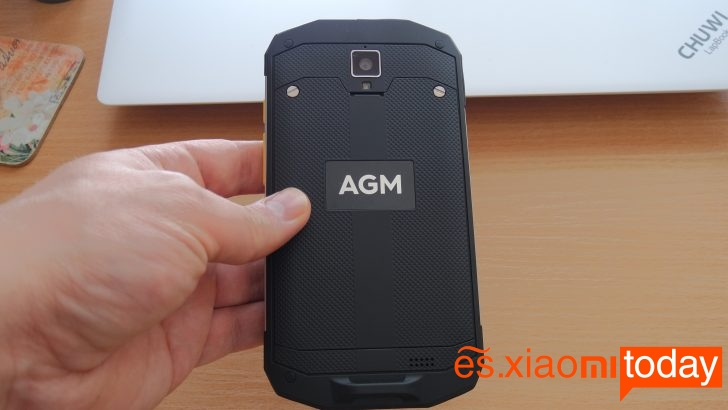 AGM A8 Diseño atrás