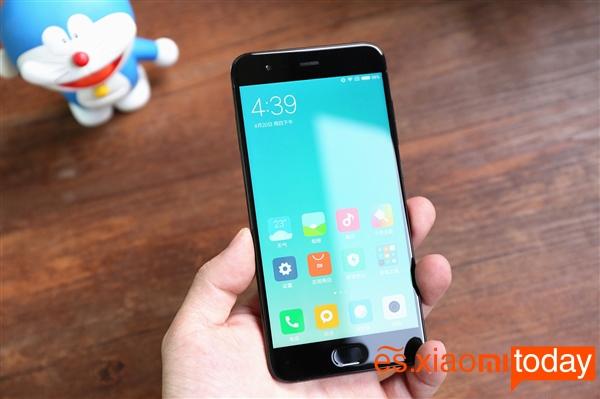 OnePlus 5 VS Xiaomi Mi 6 pantalla