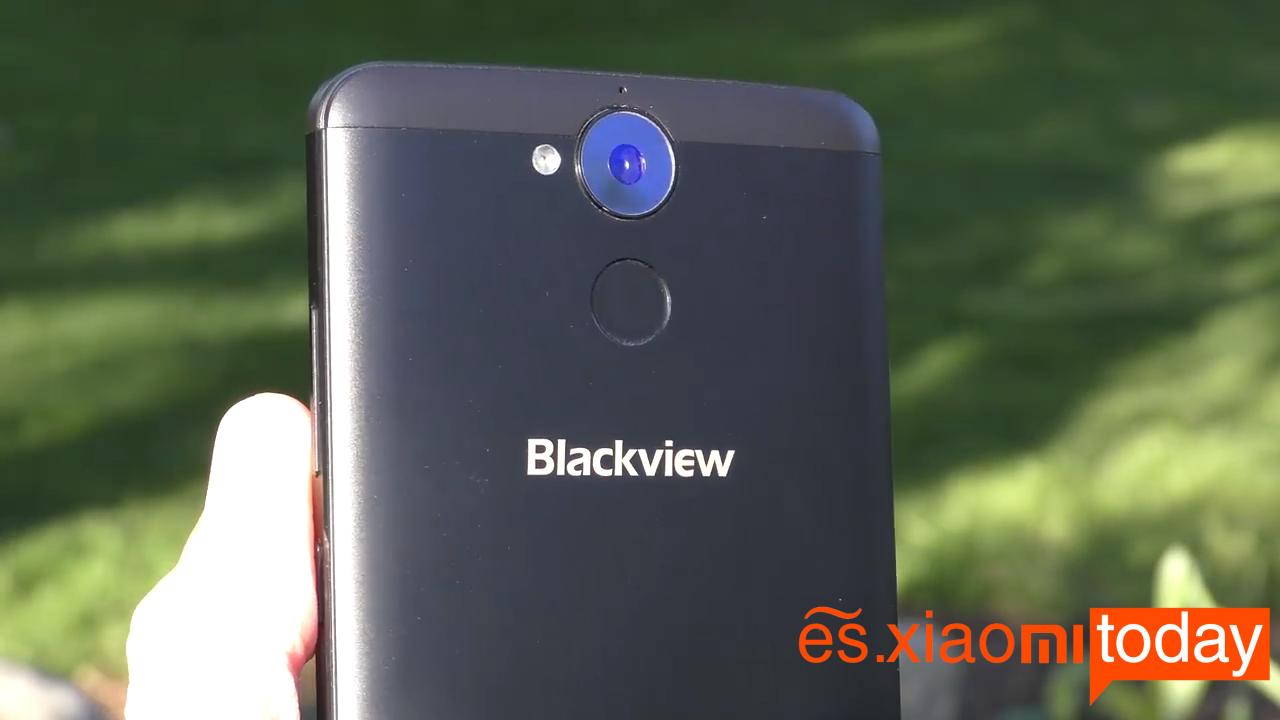 Blackview P2 Lite diseño parte trasera