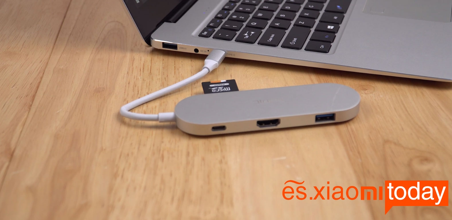 CUBE Thinker i35 Notebook extension de puertos