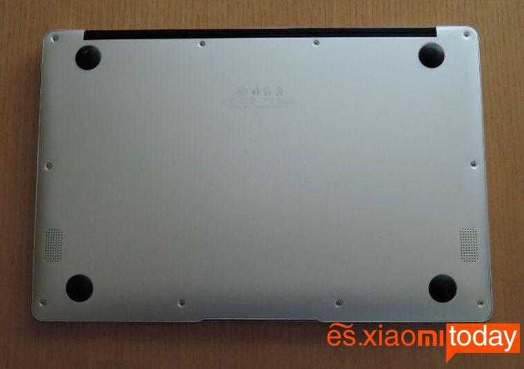 Jumper EZBook 3 Pro parte inferior
