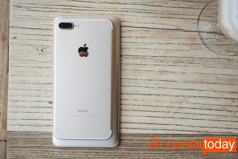 Xiaomi Mi MAX 2 - Compararación con el iPhone 7 Plus