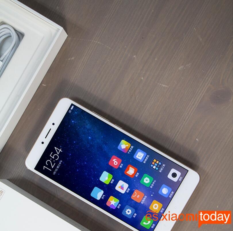 Xiaomi Mi MAX 2 pantalla