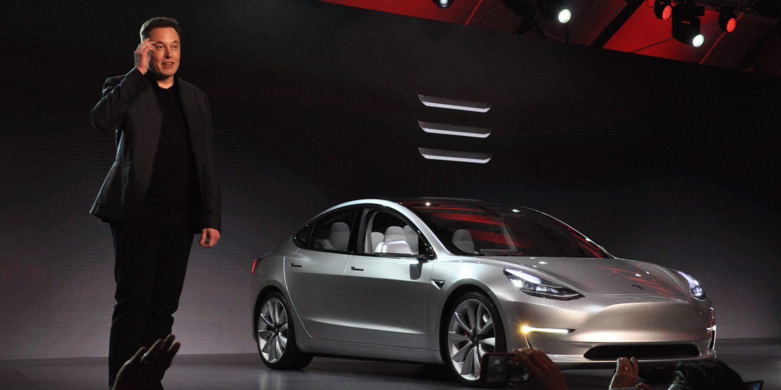 Elon Musk y el Tesla 3