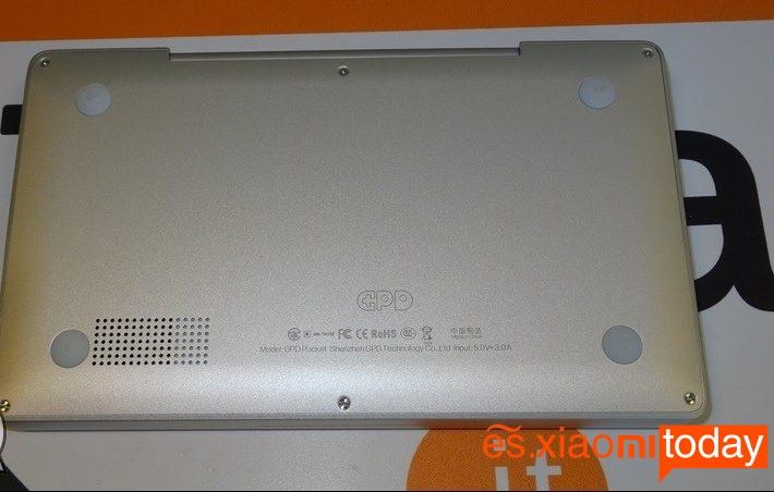 GPD Pocket diseño parte inferior