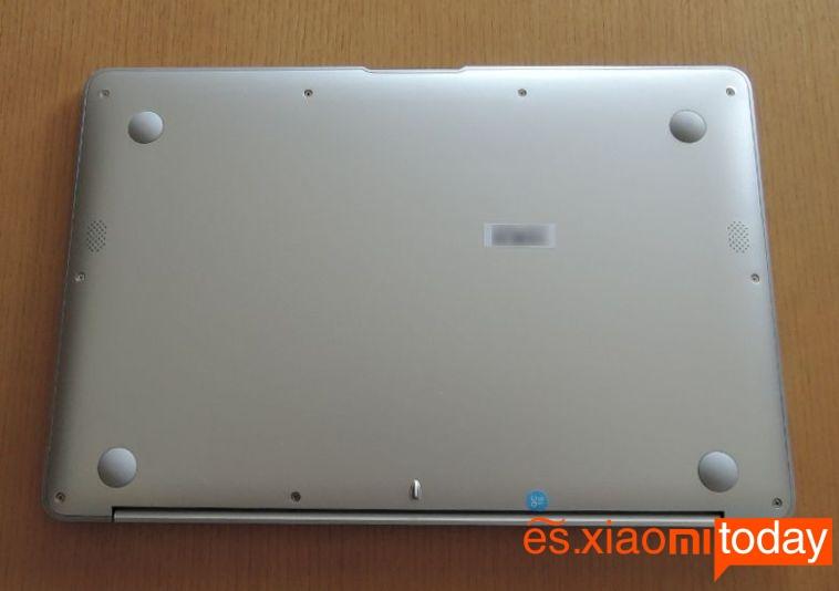 T-bao Tbook X7 parte inferior