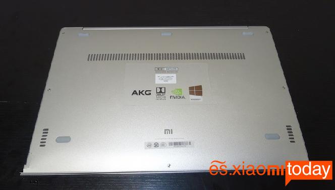 Xiaomi Mi Notebook Air 13.3 parte posterior