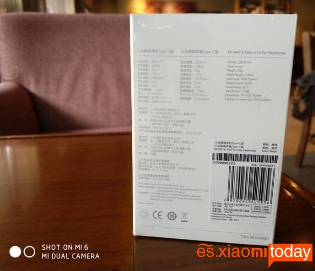 Xiaomi Mi ANC caja parte posterior