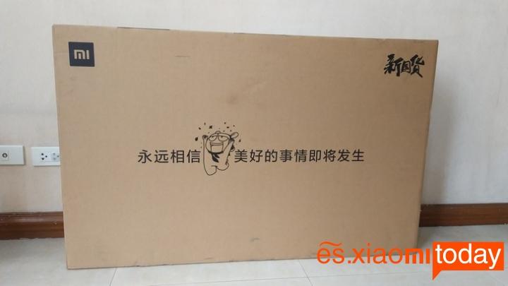 Xiaomi Mi TV 4A caja parte posterior