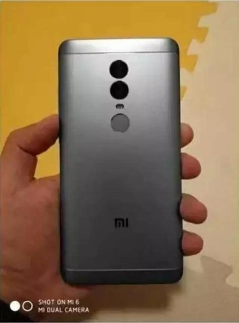 Xiaomi Redmi Note 5 trasera
