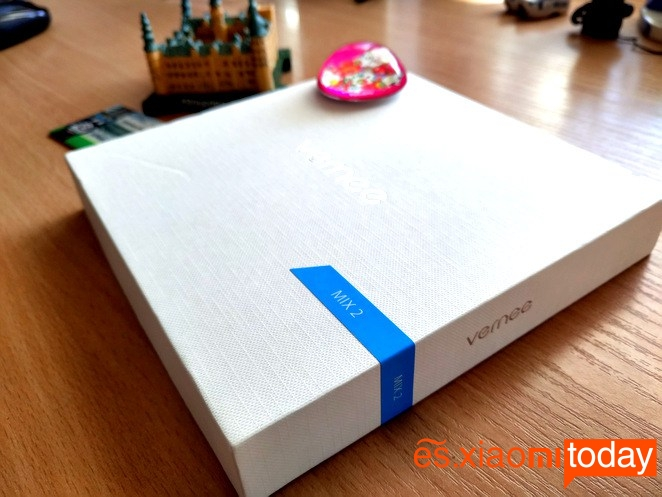Vernee MIX 2 caja