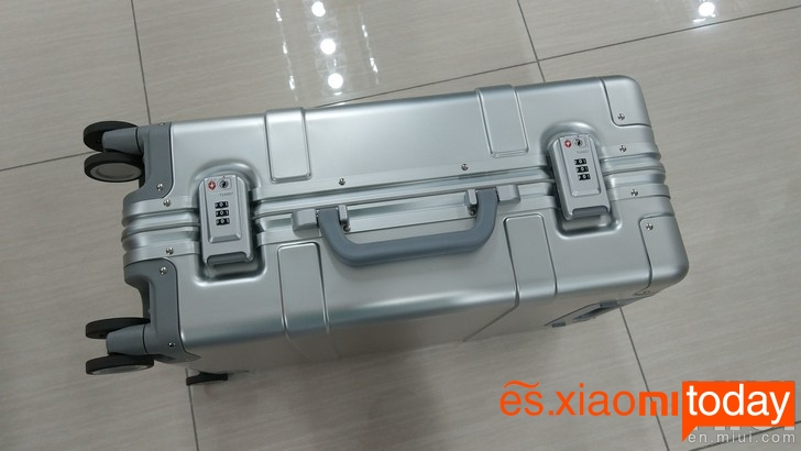 Xiaomi 20 inch Metal Travel Suitcase cerraduras
