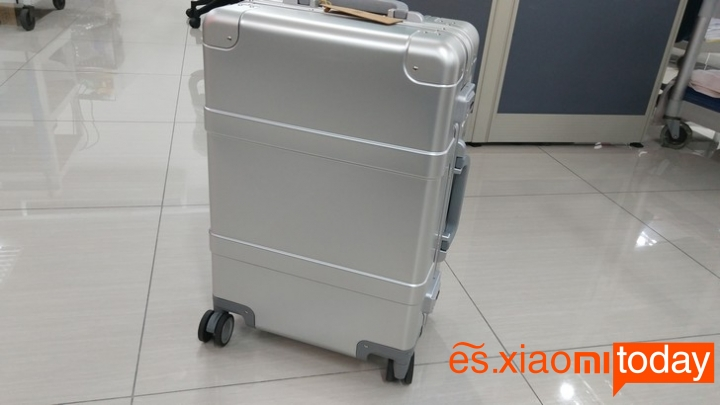Xiaomi 20 inch Metal Travel Suitcase diseño