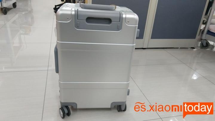 Xiaomi 20 inch Metal Travel Suitcase diseño parte frontal