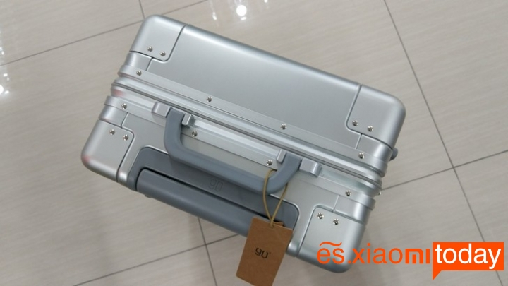 Xiaomi 20 inch Metal Travel Suitcase introducción