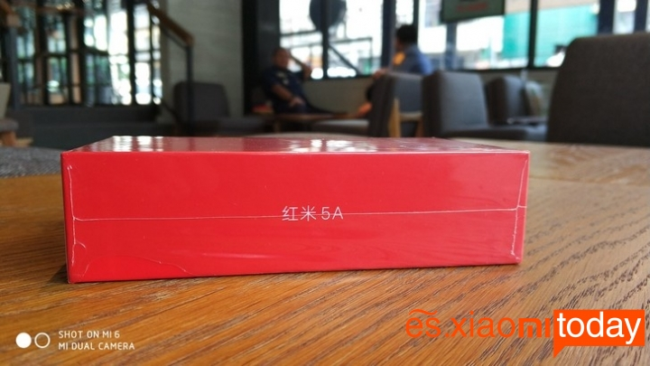 Xiaomi Redmi 5A caja lateral derecho