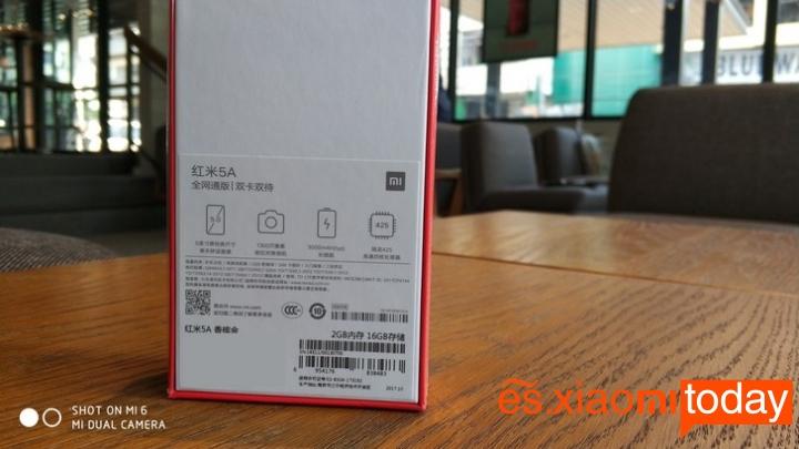 Xiaomi Redmi 5A caja parte posterior