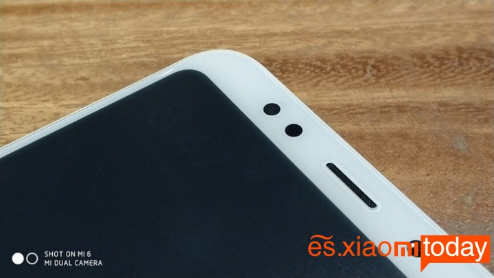 Xiaomi Redmi 5 Plus cámara frontal
