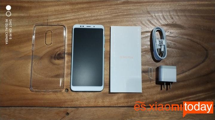 Xiaomi Redmi 5 Plus caja contenido