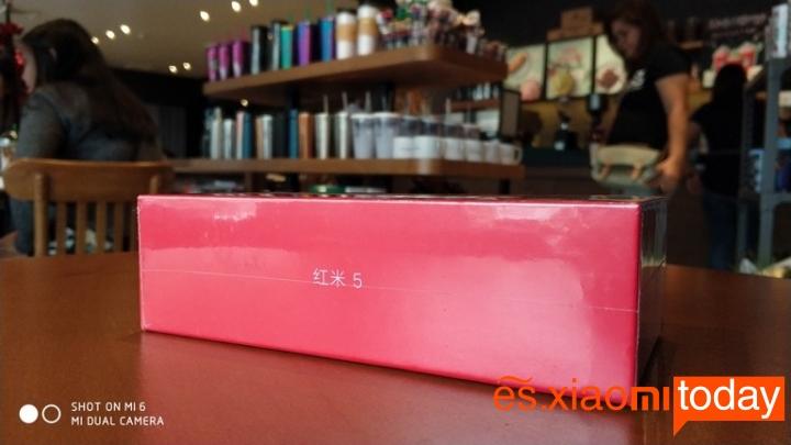 Xiaomi Redmi 5 caja lateral izquierdo