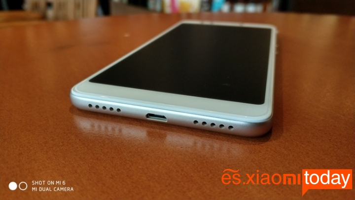 Xiaomi Redmi 5 parte inferior