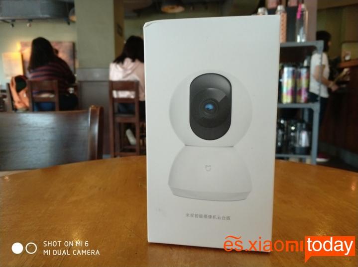 Cámara de vigilancia Xiaomi Mijia Pan Tilt 720P - Parte frontal de la caja