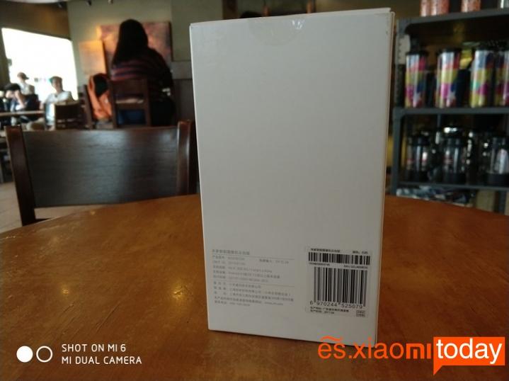 Cámara de vigilancia Xiaomi Mijia Pan Tilt 720P - Parte trasera de la caja