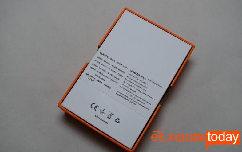Oukitel S68 Pro caja parte posterior