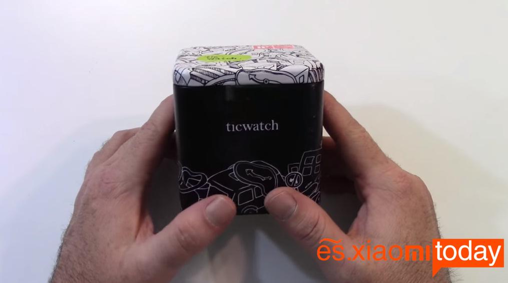 Ticwatch S caja parte frontal