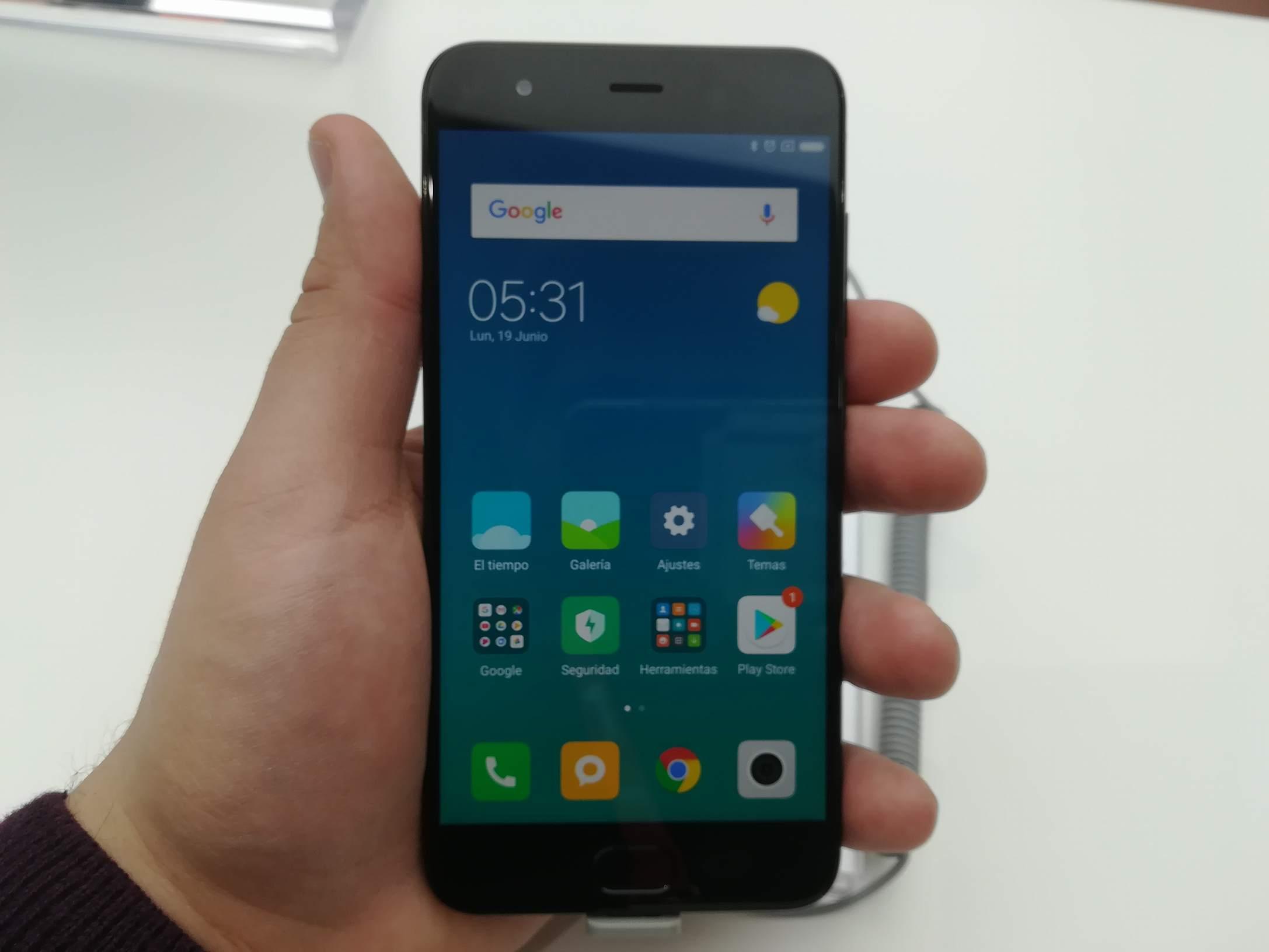 Xiaomi MWC 2018 - Mi 6 (2)