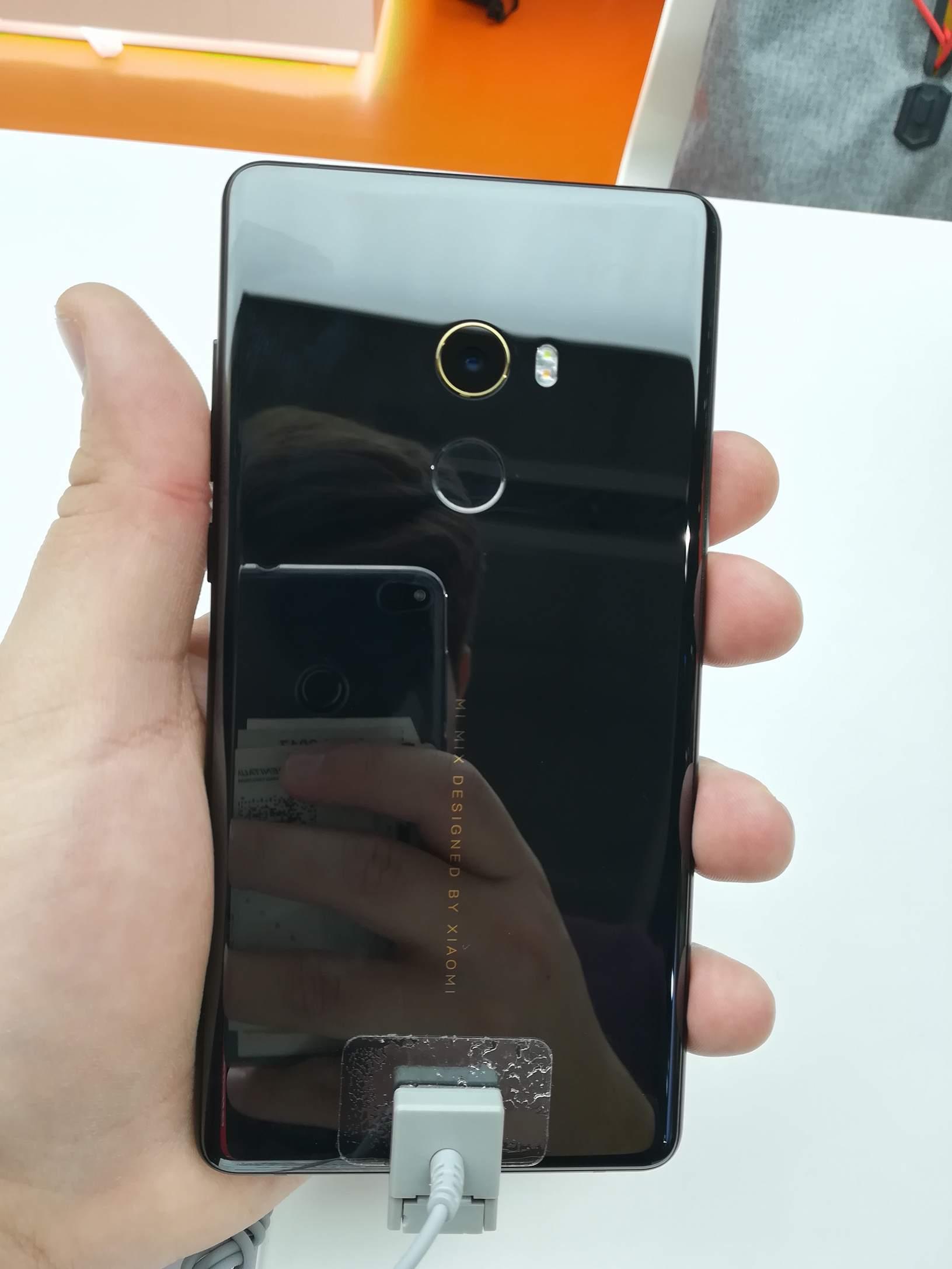 Xiaomi MWC 2018 - Mi MIX 2 1