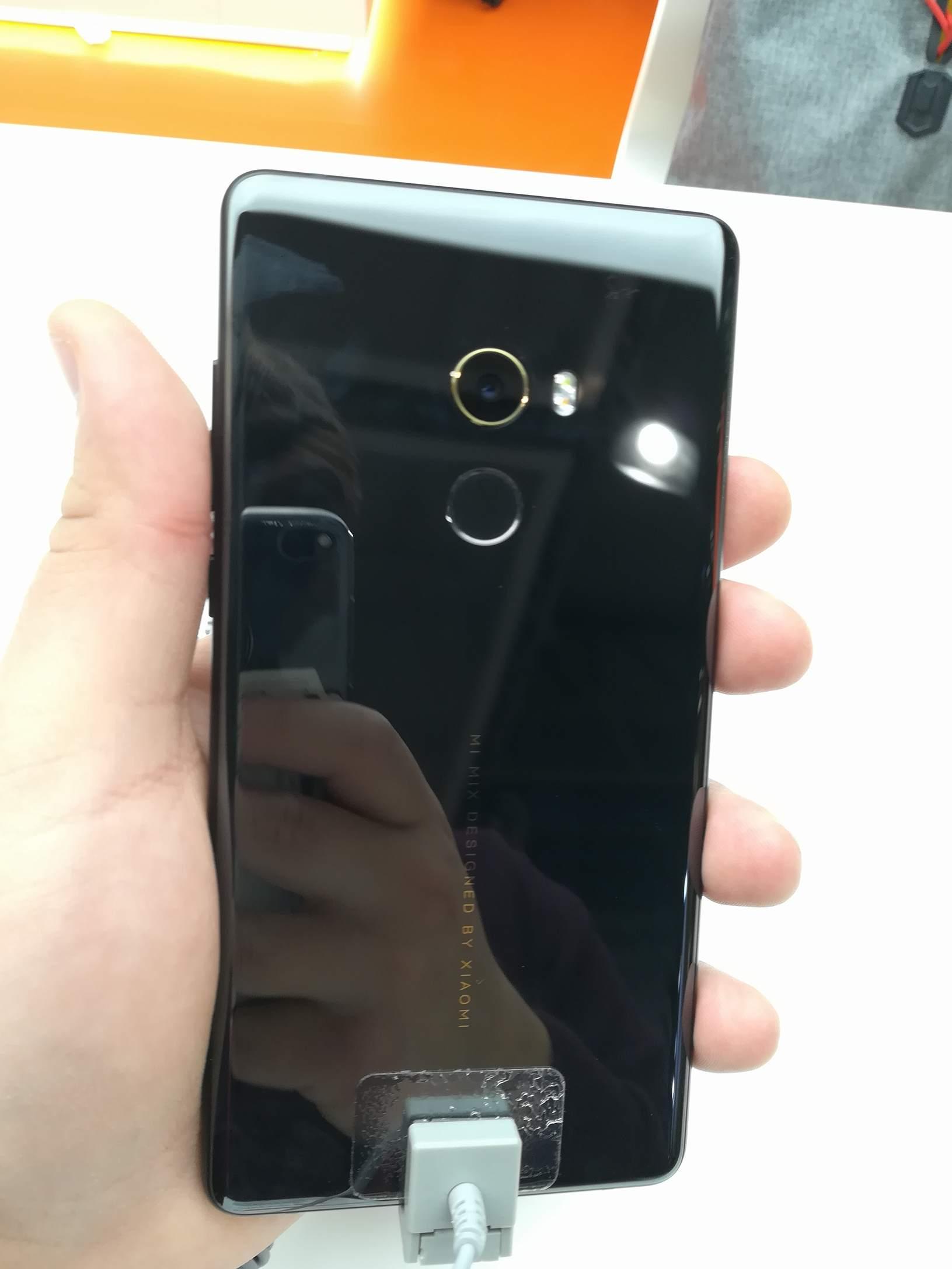 Xiaomi MWC 2018 - Mi MIX 2