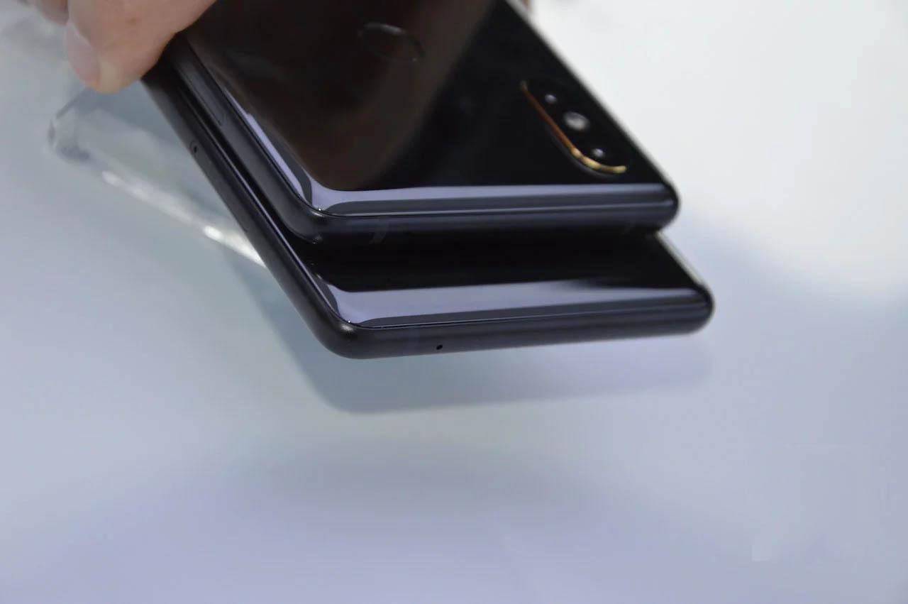 Xiaomi Mi MIX - Comparativa