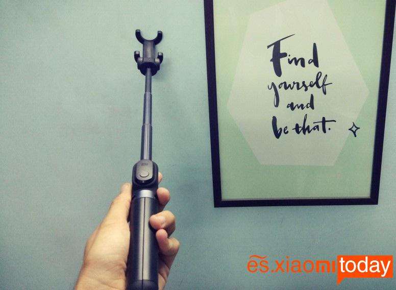 Xiaomi Selfie Stick Tripod diseño extendido