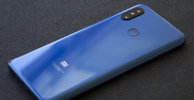 Primeras impresiones del Xiaomi Mi 8 versión azul