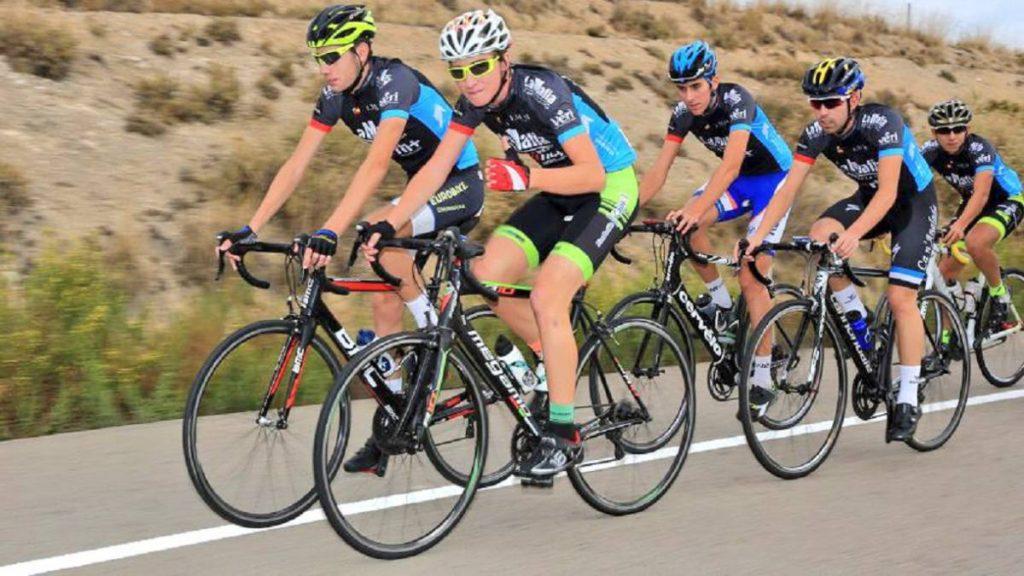 casco - carrera de bicicletas