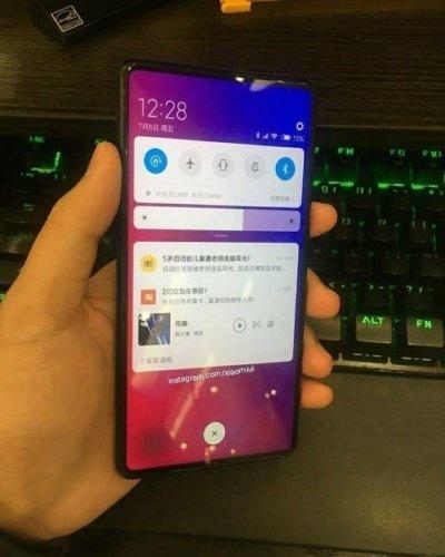 Se filtran fotos del Xiaomi Mi MIX 3 con un diseño sin marcos