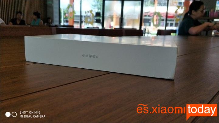 Xiaomi Mi Pad 4 caja lateral izquierdo