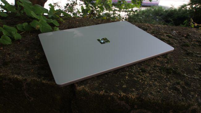 Microsoft Surface Laptop. Tapa de aluminio
