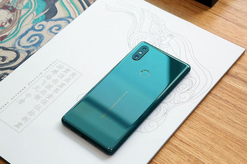 Xiaomi Mi MIX 2S Emerald Jade diseño posterior