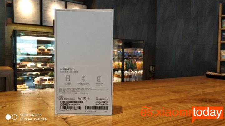 Xiaomi Mi Max 3 caja parte posterior
