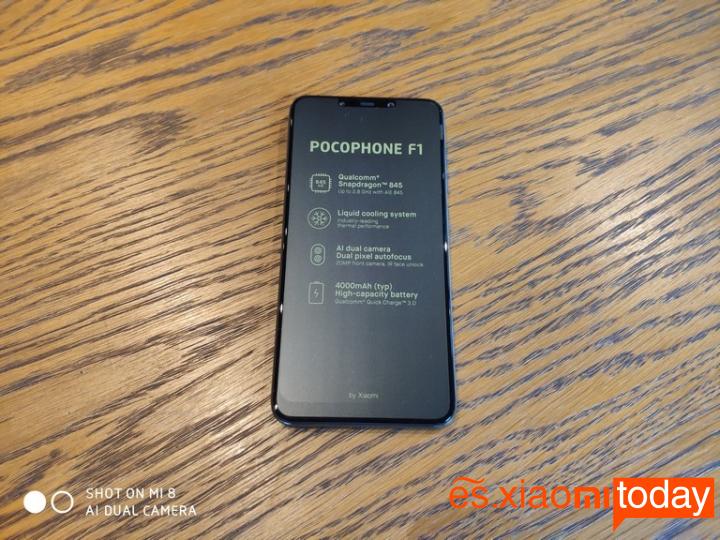 Xiaomi Pocophone F1 Análisis - Unboxing