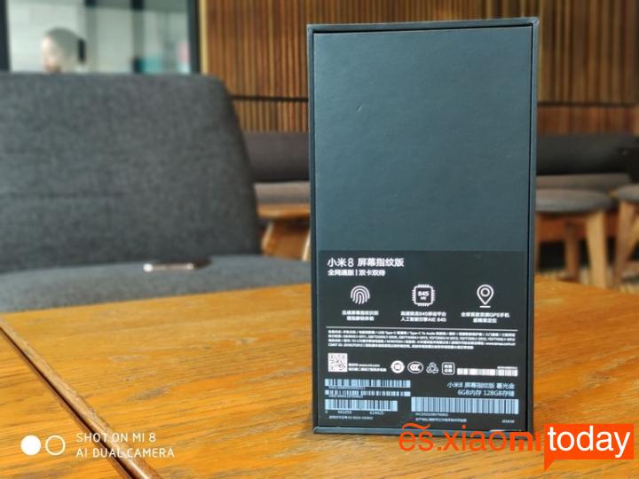 Xiaomi Mi 8 Pro: Unboxing