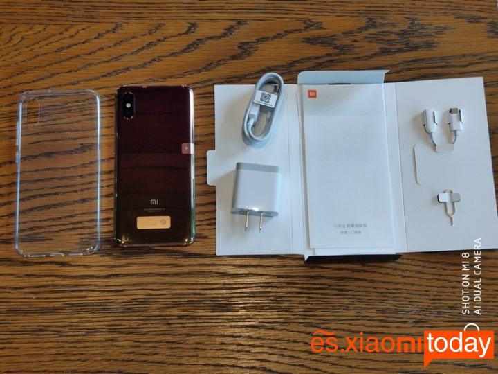 Xiaomi Mi 8 Pro caja interior