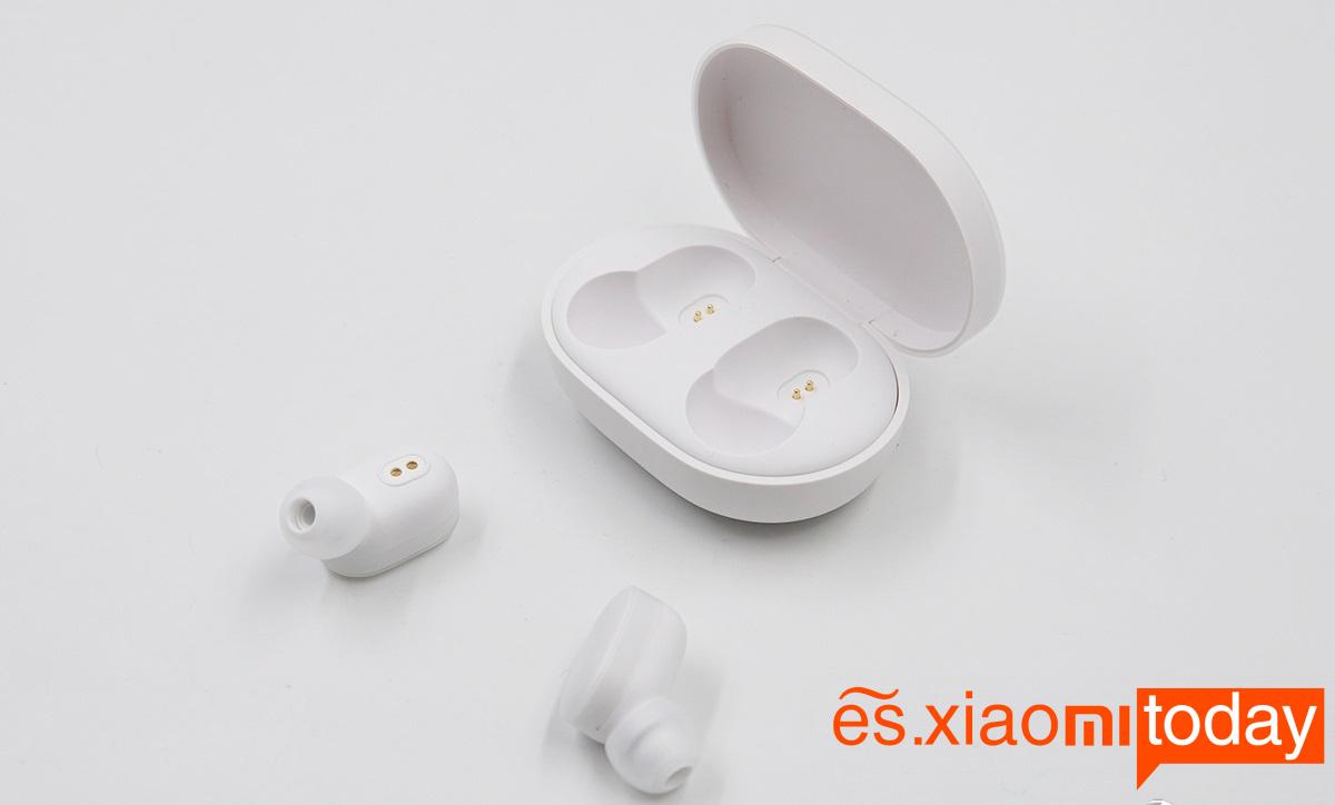 Xiaomi Mi AirDots Bluetooth Headset Caja de carga interior