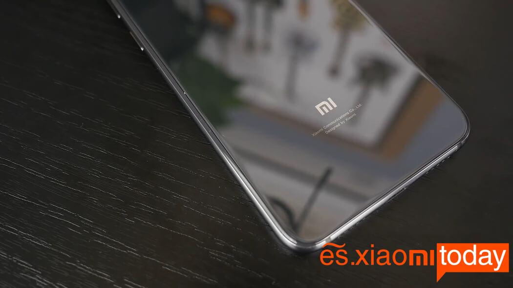 Xiaomi Mi 9 SE diseño 05